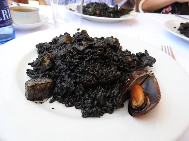 Black paella!